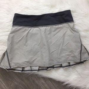 Lululemon Pace Setter Skirt Stripe Size 2 Reg